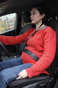 Immagine in cui la donna utilizza male la cintura.
